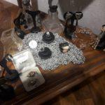 Coppia di porta profumo in cristallo e argento art decò, vasetto in cristallo liberty; assortimento di orecchini d'epoca
